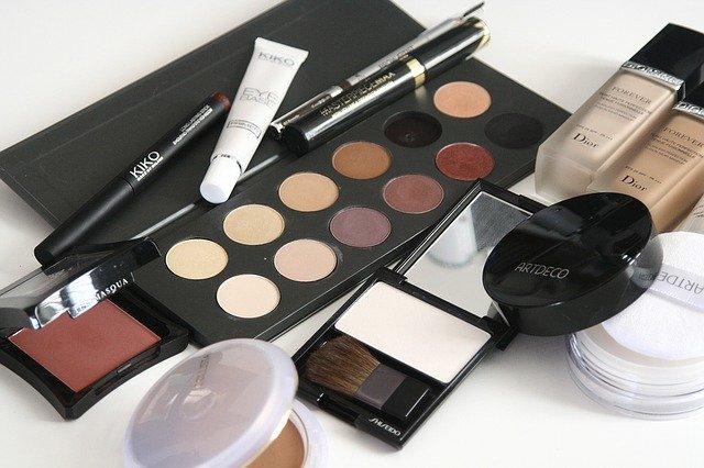 cosmetics-1063134_640-pixab